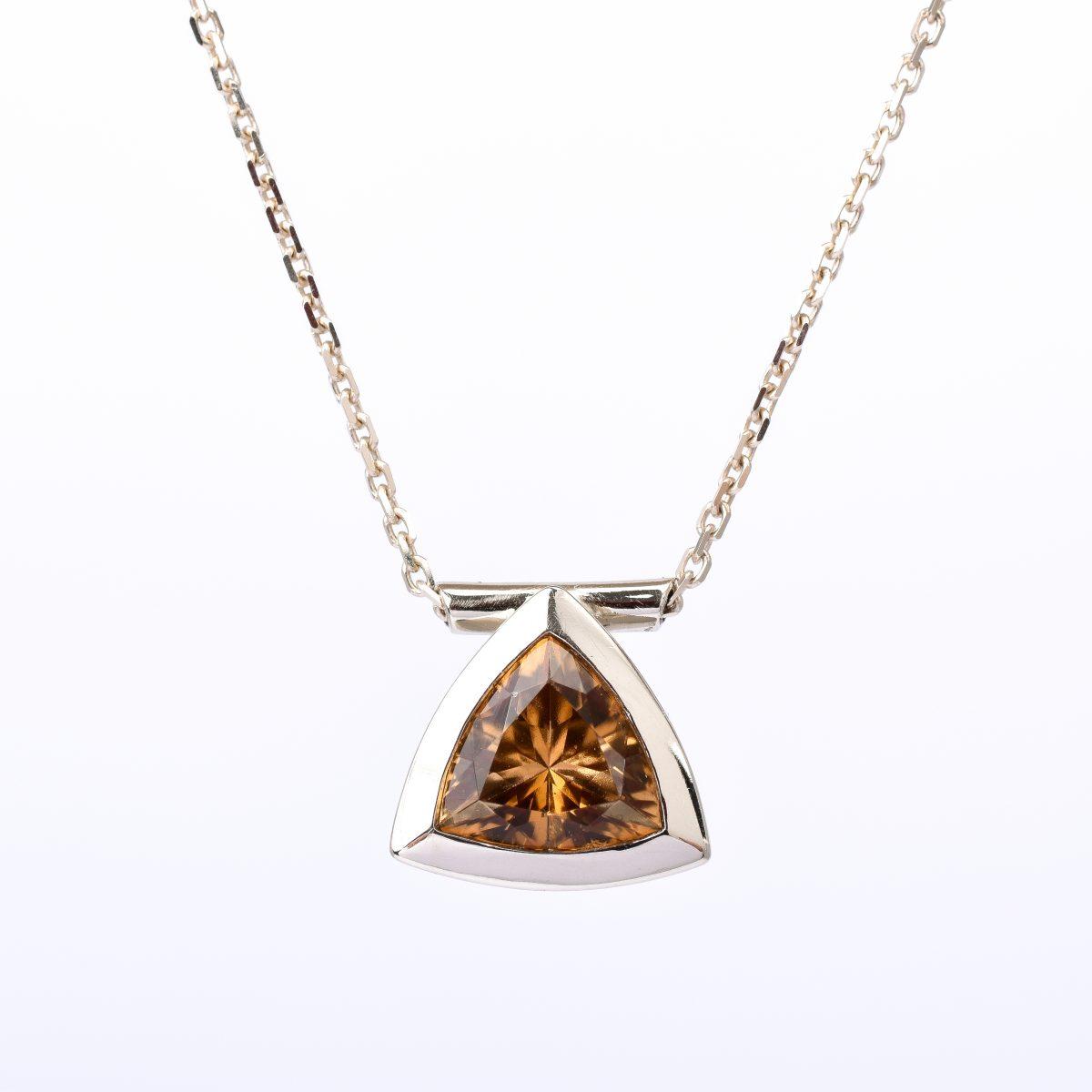TRILLION náhrdelník