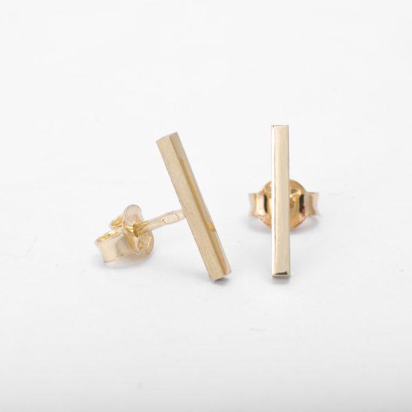 Minimalisticke nausnice zo zlteho zlata. line kolekcia